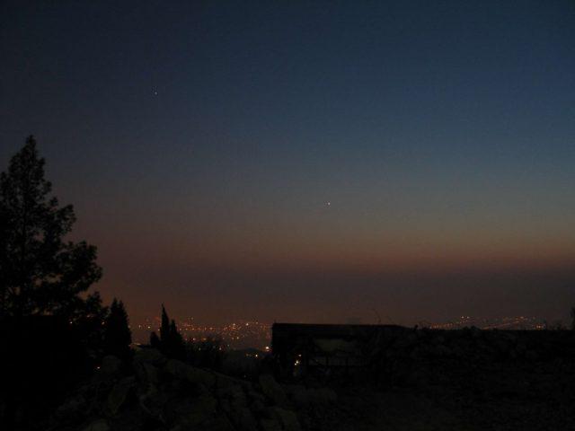 ...és felragyognak a csillagok a lebontott pécsi planetárium romjai fölött