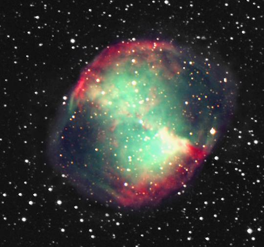 Az M27 jelű planetáris köd a Vulpecula csillagképben