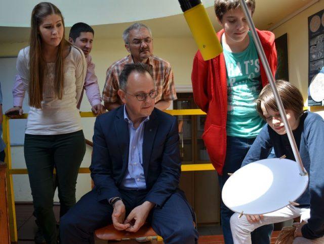 A Merkúr-átvonulás észlelése a kupolából. Észlelő: Bús Balázs, Óbuda-Békásmegyer polgármestere.