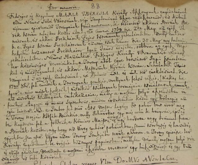 """1769-es bejegyzés Solt református anyakönyvében a templomtorony """"üstökös tsillag"""" motívumáról"""